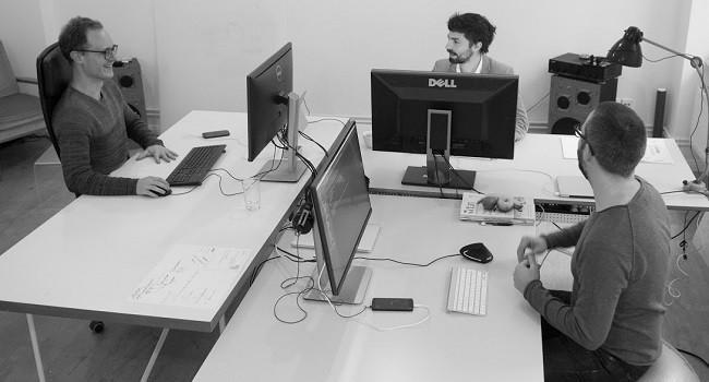 """Das Team von """"enffi"""" in ihrem Büro"""